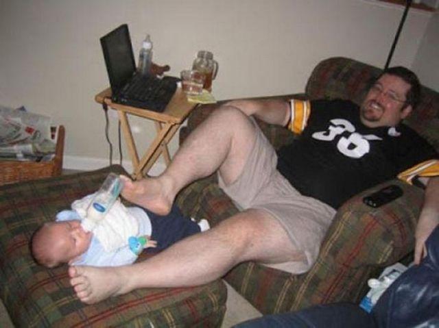 feeding-baby-feet